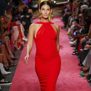 NFW-Brandon Maxwell show, Runway, Spring Summer 2019, New York Fashion Week, USA ,Bella Hadid,Gigi Hadid,Stella  Maxwell,on the catwalk    Pictured: Lily Aldridge  Ref: SPL5022339 090918 NON-EXCLUSIVE  Picture by: SplashNews.com    Splash News and Pictures  Los Angeles: 310-821-2666 New York: 212-619-2666 London: 0207 644 7656 Milan: +39 02 4399 8577 Sydney: +61 02 9240 7700  photodesk@splashnews.com    World Rights