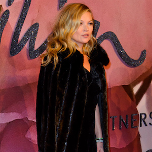 Kate Moss arrives at The Fashion Awards 2016 on the 5th December 2016 at the Royal Albert Hall, London, United Kingdom. BANG MEDIA INTERNATIONAL FAMOUS PICTURES 28 HOLMES ROAD LONDON NW5 3AB UNITED KINGDOM tel +44 (0) 20 7485 1005 e-mail pictures@famous.uk.com www.famous.uk.com JHMH10121