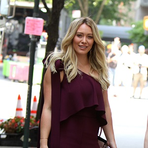 Hilary Duff wears an eyecatching outfit at the 'Younger' set with Molly Bernard in Union Square