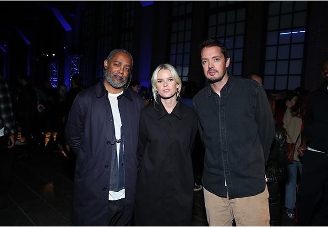 左より、アーティストのアーサー・ジャファ、アリス・イヴ、デザイナーのマーカス・ウェインライト