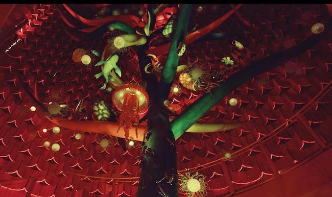 一般公開が再開された内部展示『生命の樹』