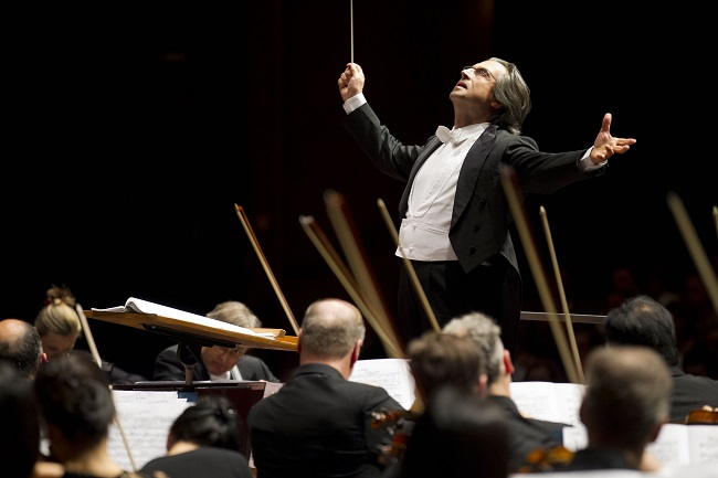 リッカルド・ムーティ ザルツブルク祝祭大劇場でシカゴ交響楽団と 2011年 ©Todd Rosenberg Courtesy of RMMusic – www.riccardomutimusic.com