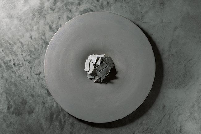 「グレー2018SS」イワシ丸ごと余すことなく使った一皿。