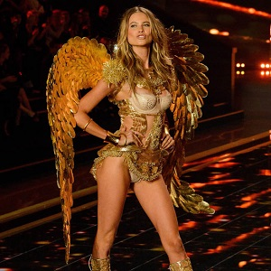Victoria's Secret Fashion Show 2014 on 02 December 2014 , Earls Court, London. BANG MEDIA INTERNATIONAL FAMOUS PICTURES 28 HOLMES ROAD LONDON NW5 3AB UNITED KINGDOM tel +44 (0) 20 7485 1500 e-mail pictures@famous.uk.com www.famous.uk.com JMVM10173