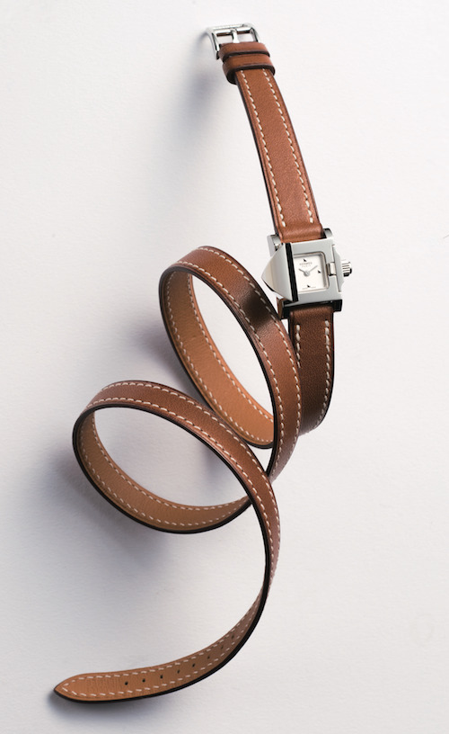 「メドール ロック」(16×16mm、SS、カーフレザーストラップ) ¥313,000(予定価格)/Hermès(エルメスジャポン 03-3569-3300)