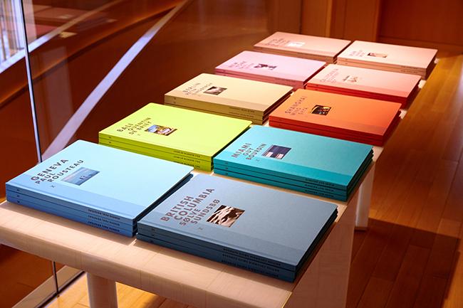 ルイ・ヴィトン 新宿店にて、並べられた「ファッション・アイ」シリーズのラインナップ。 ©LOUIS VUITTON / YUME