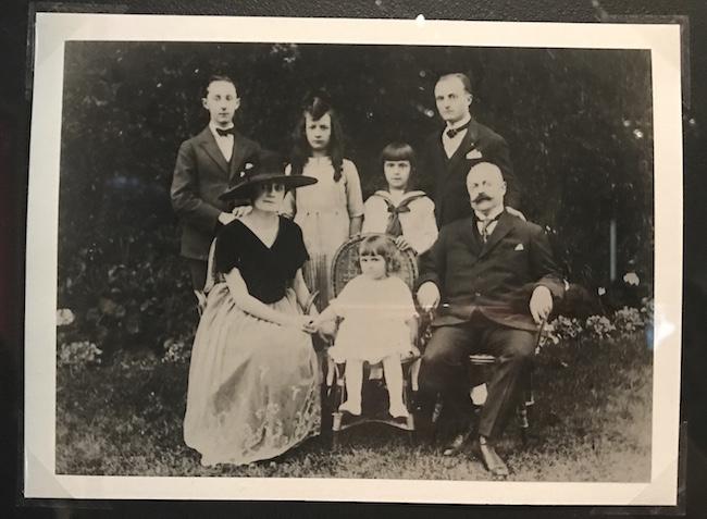 クリスチャン・ディオールファミリー(1920)