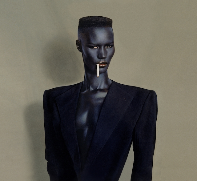 『Blue-black in black on brown』 painted photo, New York, 1981 © JEAN-PAUL GOUDE