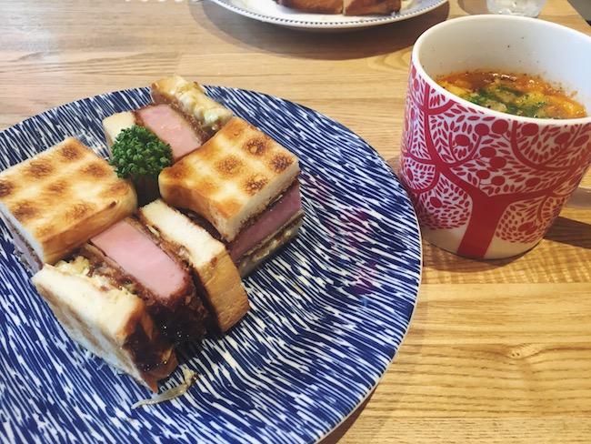 ハムカツサンド ¥700(税込) 本日のスープ ¥640(税込)