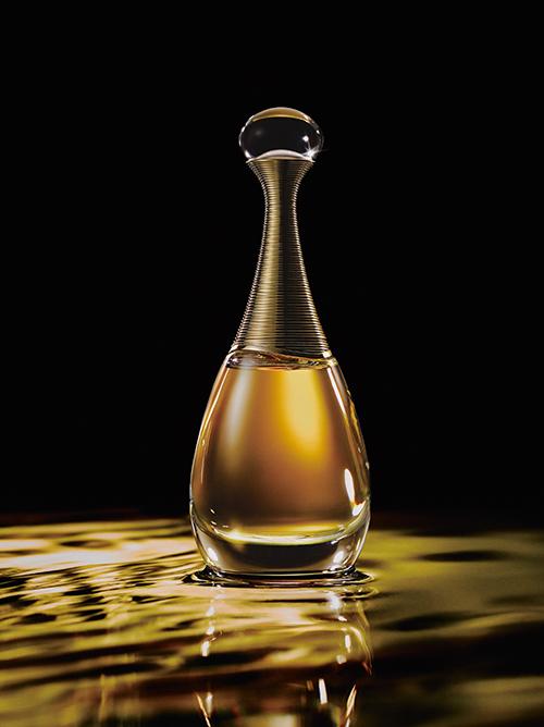 ジャドール アブソリュ オードゥ パルファン[50ml] ¥15,000、[75ml] ¥18,000/Dior(パルファン・クリスチャン・ディオール)Photo: Shinmei