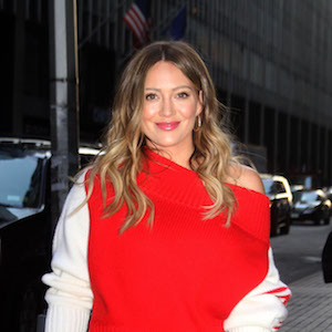 Hilary Duff attends the 'Younger' 5th season premiere at the Paley Center in Uptown, Manhattan wearing a scarlet off the shoulder sweater. New York City, New York - Monday April 23, 2018. Photograph: © JP, PacificCoastNews. Los Angeles Office (PCN): +1 310.822.0419 UK Office (Avalon): +44 (0) 20 7421 6000