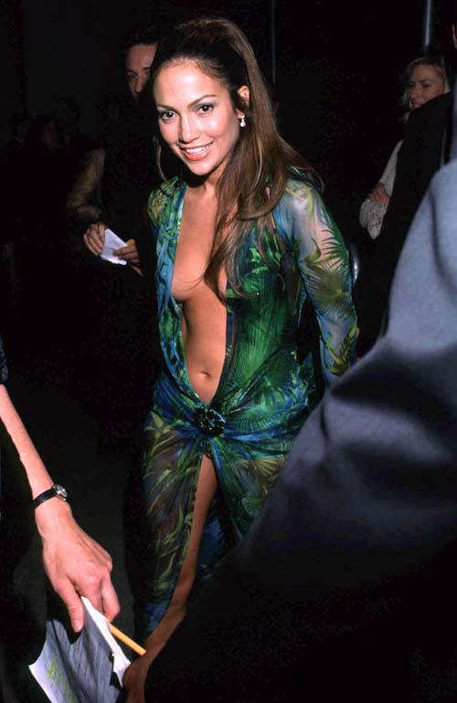グラミー賞授賞式で話題をさらったドレスがこちら。
