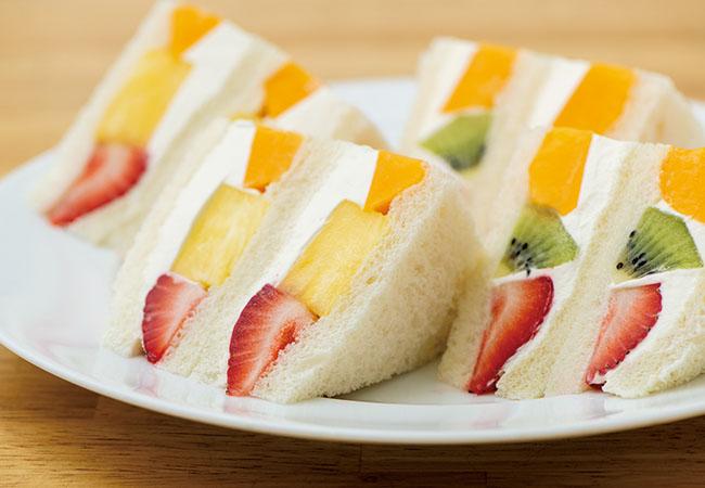 「フルーツサンドイッチ(8切れ)」¥1,500 テイクアウト可