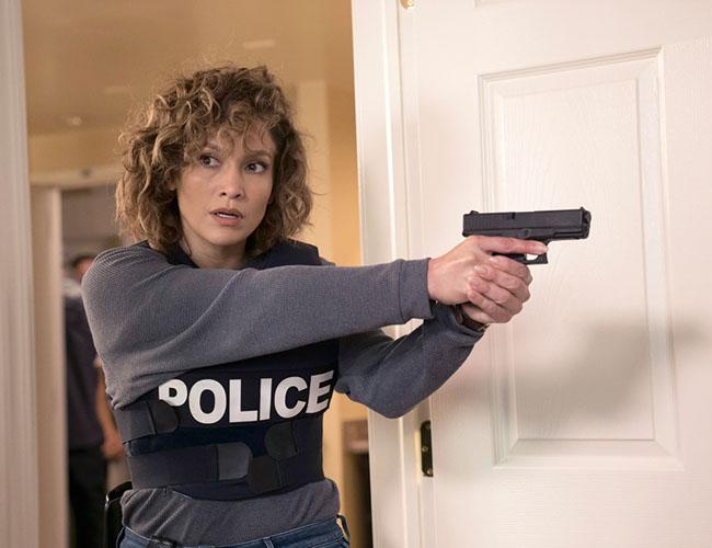 ジェニファー・ロペス主演『シェイズ・オブ・ブルー ブルックリン警察』(Hulu)©2017 Universal Television LLC. ALL RIGHTS RESERVED.