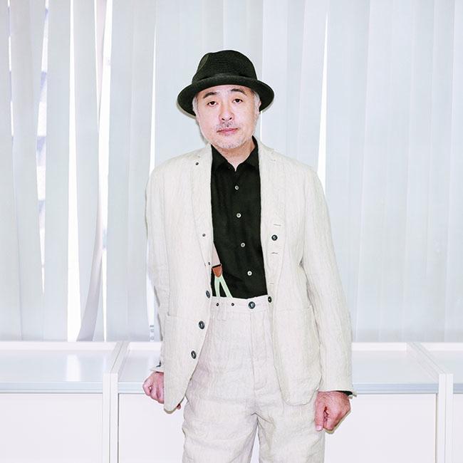 ジャケット¥60,000 シャツ¥30,000 パンツ¥35,000/すべてSuzuki Takayuki(スズキ タカユキ) ハット/スタイリスト私物