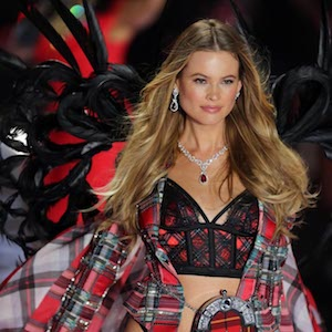Behati Prinsloo walking at the 2018 Victoria's Secret runway show at Pier 94 on November 8 2018 in New York City  BANG MEDIA INTERNATIONAL FAMOUS PICTURES 28 HOLMES ROAD LONDON NW5 3AB UNITED KINGDOM tel +44 (0) 20 7485 1005 e-mail pictures@famous.uk.com www.famous.uk.com