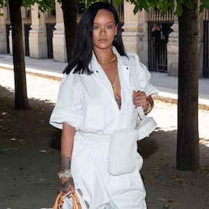 Paris Fashion Week: Rihanna arrive at the Louis Vuitton Menswear Spring/Summer 2019 Show    Pictured: Rihanna  Ref: SPL5005638 220618 NON-EXCLUSIVE  Picture by: UDSA/Splash / SplashNews.com    Splash News and Pictures  Los Angeles: 310-821-2666 New York: 212-619-2666 London: 0207 644 7656 Milan: +39 02 4399 8577 Sydney: +61 02 9240 7700  photodesk@splashnews.com    World Rights, No France Rights, No Poland Rights
