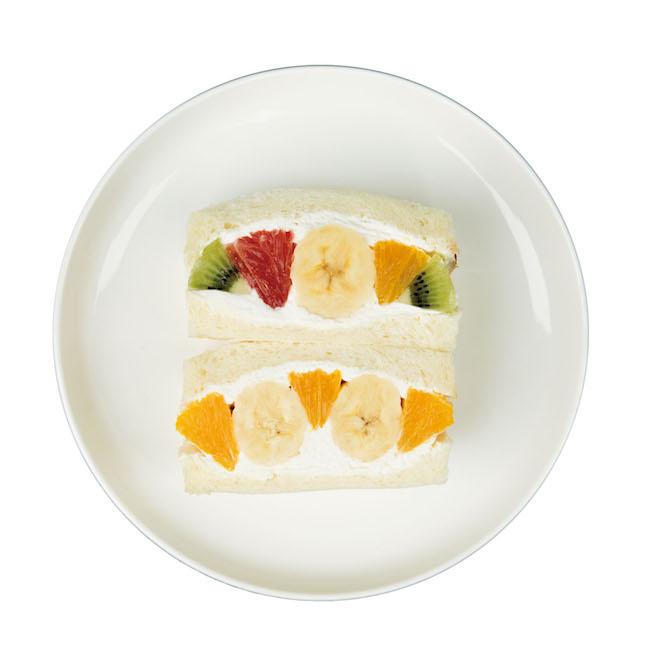 上から「フツウニフルウツ」「ダブルバナナ」各¥350(税込)テイクアウトのみ