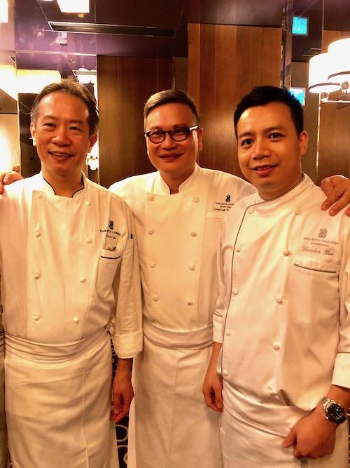 (左)ポール・ロウ、(中央)チェン・シウ・コン、(右)ゴードン・グオ