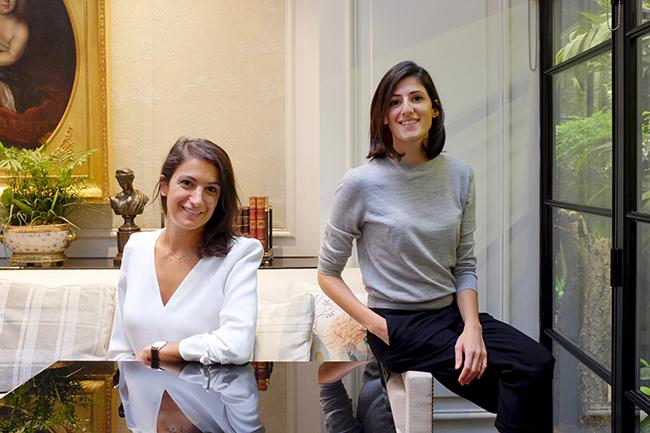 ホテルの経営を行うサラ・ジョージスとゼイナ・ジョージス姉妹