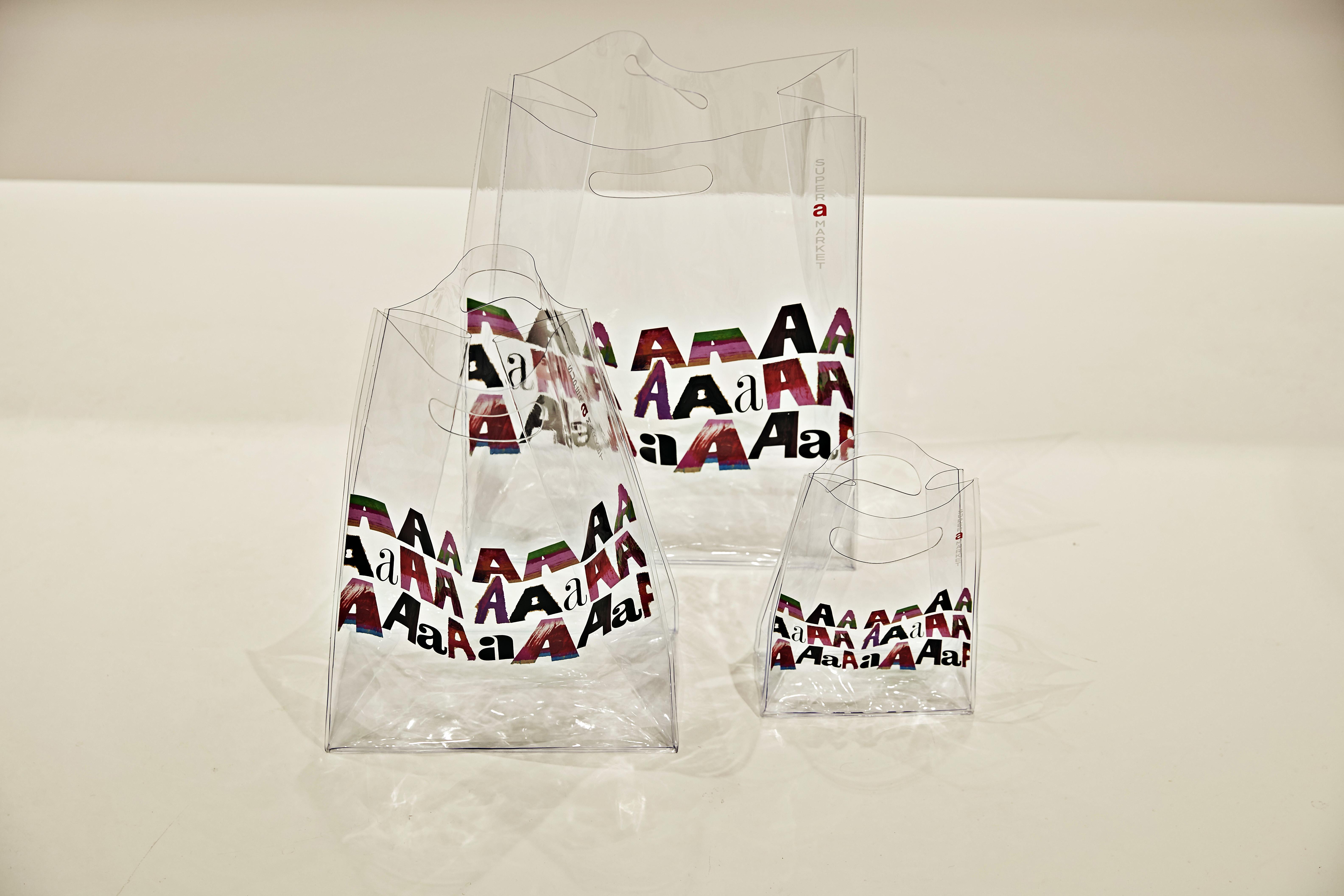 PVCバッグ 大 ¥3,000 中 ¥2,000 小 ¥1,000 ※数量限定、なくなり次第終了