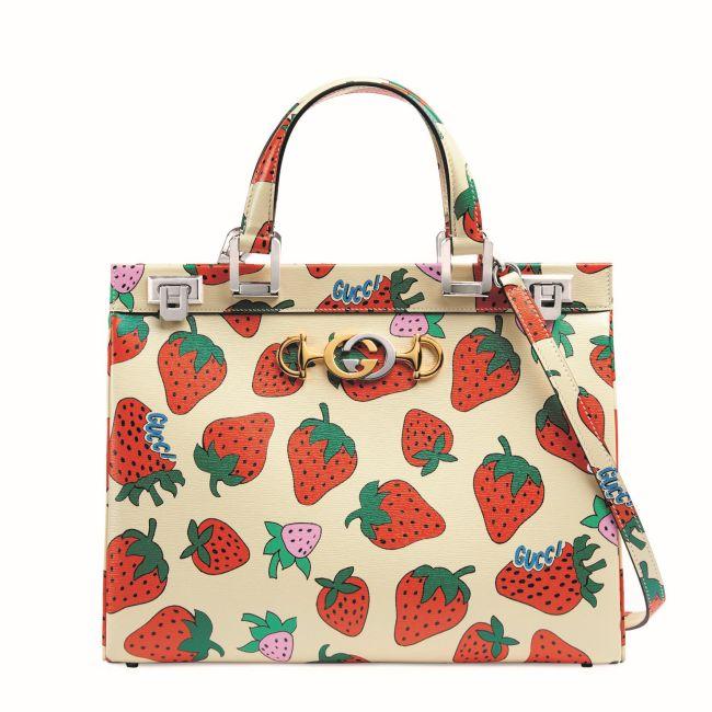 「ズゥミ」トップハンドルバッグ(W33.5xH26xD11.5cm)¥388,000  Courtesy of Gucci