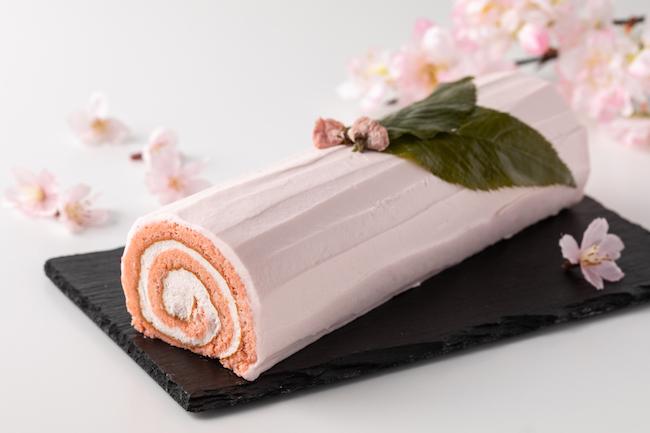 「桜ロールケーキ」 ¥2,000