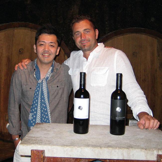 イタリアの造り手パオロ・ヴォドピーヴェッツと永島さん。