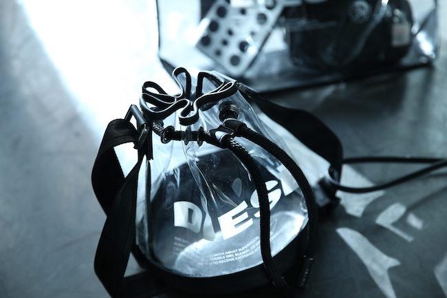 バケットバッグ(H21×W24×D21cm) ¥18,800(日本限定)