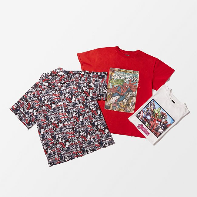ジュエティ シャツ ¥17,000、スパイダーマンTシャツ ¥16,000、アベンジャーズキャラクターTシャツ ¥19,000