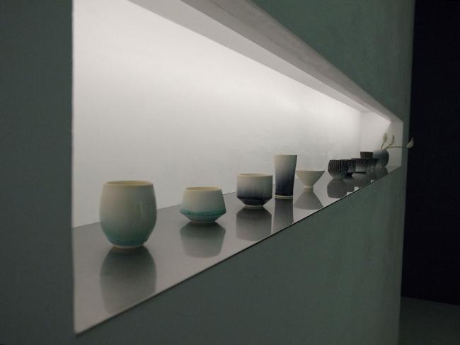 長谷川栄雅の5種類の日本酒に合わせて陶芸家の保立剛と岩崎龍二が手がけたそれぞれ異なる形状の「長谷川栄雅オリジナル酒器」