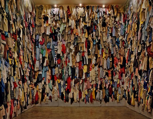 『保存室(カナダ)』 1988 / 衣類 / 作家蔵  © Christian Boltanski / ADAGP, Paris, 2019, © Ydessa Hendeles Art Foundation, Toronto, Photo by Robert Keziere