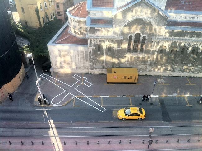 ジェームス・ブライドル『ドローン・シャドー002』(2012年)イスタンブール(トルコ)