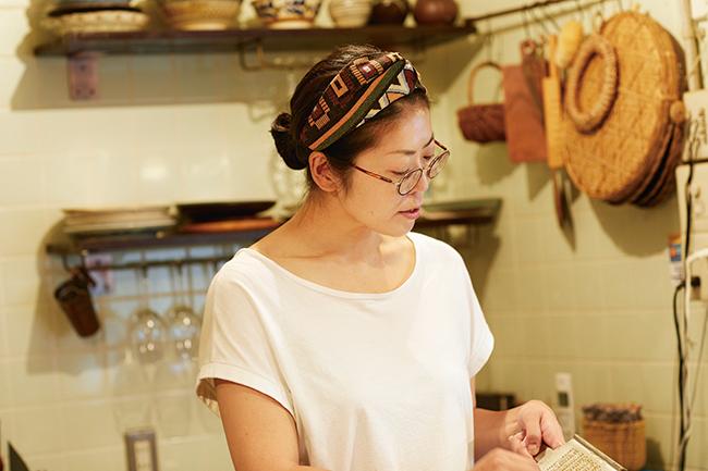 店主の佐宗桂さん。