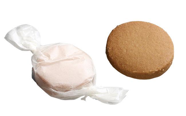 """「ポルボローネ」¥150。スペインの伝統菓子 """"ポルボロン""""のレシピをもとに、小麦粉ではなく米粉を使用するのがミーガンスタイル。口の中でホロホロとほどけていく。"""