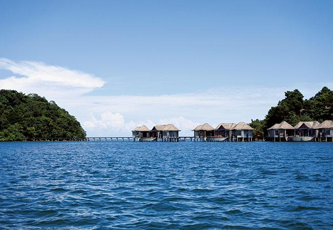 島の東沖に浮かぶラグジュアリーなソンサープライベートアイランド。全ヴィラがプライベートプール付き。