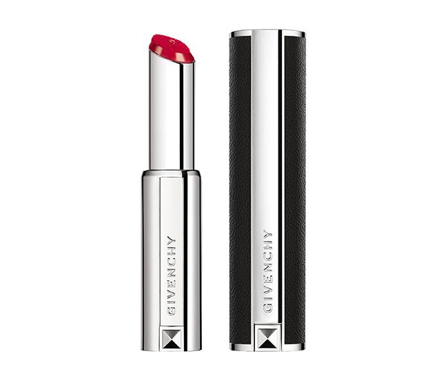 「ルージュ・ジバンシイ・リキッド」。スティックなのにリキッド。高発色のソフトマットな仕上がりで洗練された唇に(2019年8月末販売終了)。