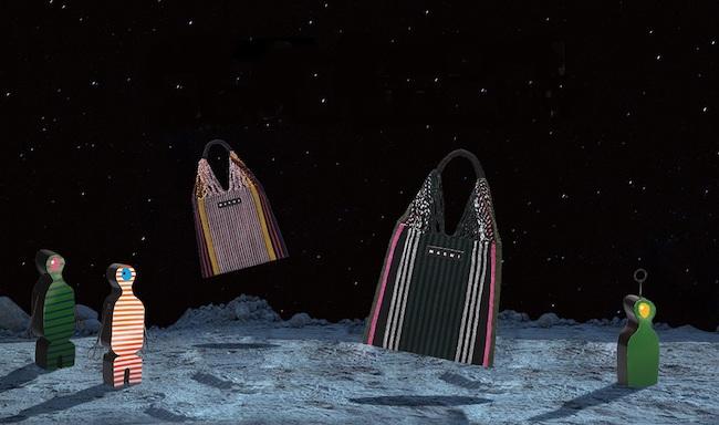 ハンモックバッグ(W37×H40cm)各¥17,000 ※ともに伊勢丹新宿店先行販売カラー/9月4日(水)発売。エイリアン オブジェ(左) (W28×H20×D4cm)¥16,000 (中)(W60×H40×D10cm)¥21,000 (右)参考商品