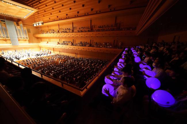 Vol.1『耳で聴かない音楽会』の開催風景より。(Photo: 山口敦)
