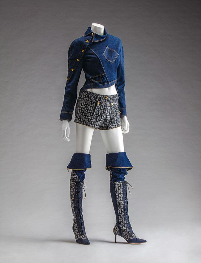 Christian Dior(ジョン・ガリアーノ) 2000年春夏 京都服飾文化研究財団所蔵 Photo: 畠山崇