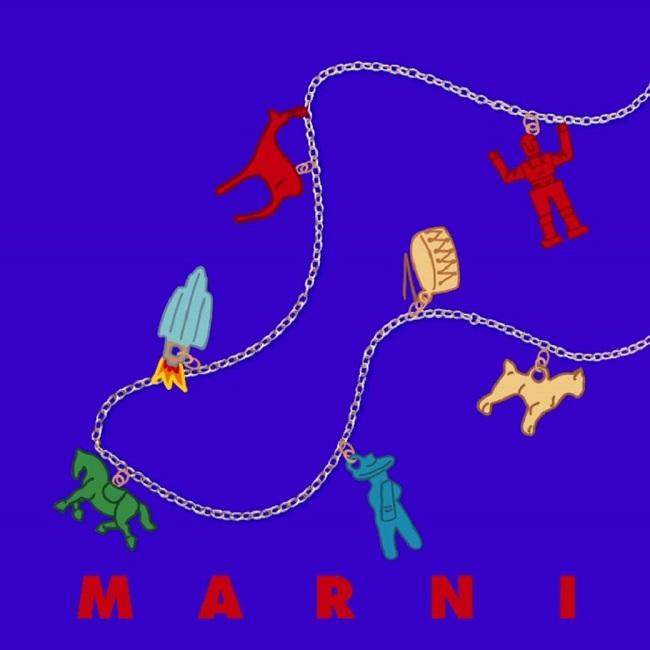ロング ネックレス(85cm) ¥14,000、ショート ネックレス(55cm) ¥14,000、ブレスレット(17cm) ¥6,000~¥7,000、チャーム(25種類) ¥2,800~¥8,000