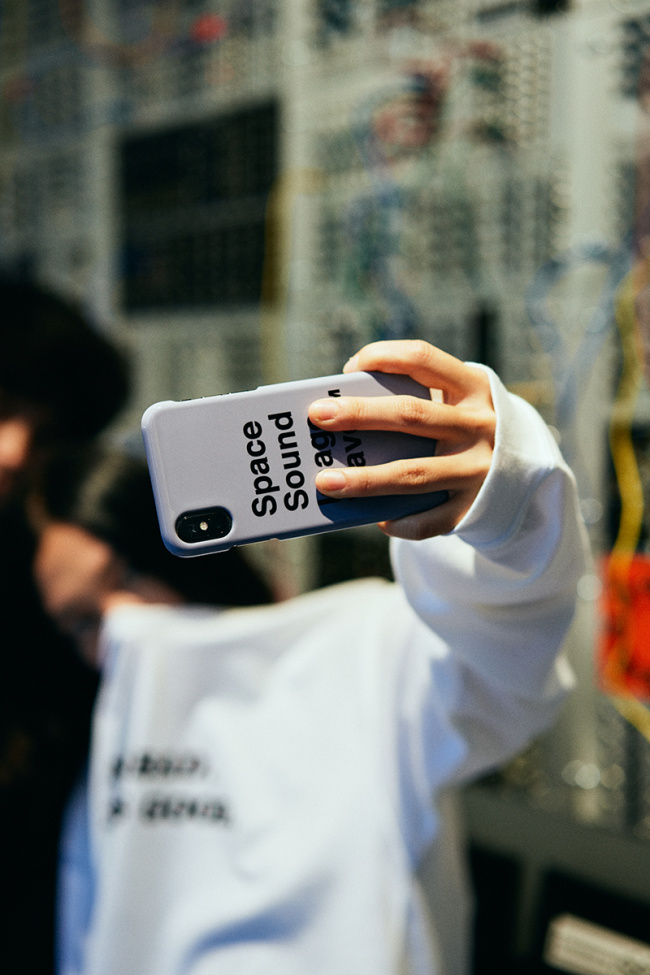 SPACE SOUND IMAGE iPhone CASE ¥3,000