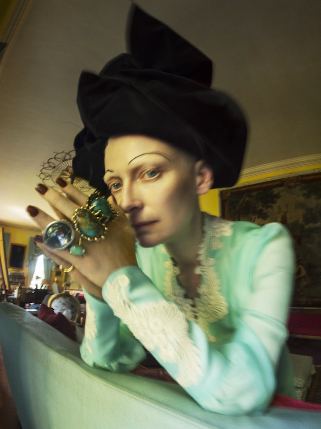 Tim Walker Why not be oneself? Tilda Swinton Fashion: Gucci, Marc Jacobs Jewellery: Lisa Eisner Jewelry, Vela, Uno de 50, A. Brandt + Son Renishaw Hall, Derbyshire, 2018 © Tim Walker Studio