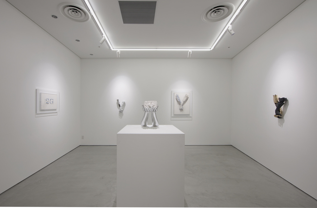 Installation view: Daniel Arsham & Hajime Sorayama, NANZUKA 2G, Tokyo, Japan, 2019©Daniel Arsham, Hajime Sorayama Photo by NANZUKA Courtesy of NANZUKA