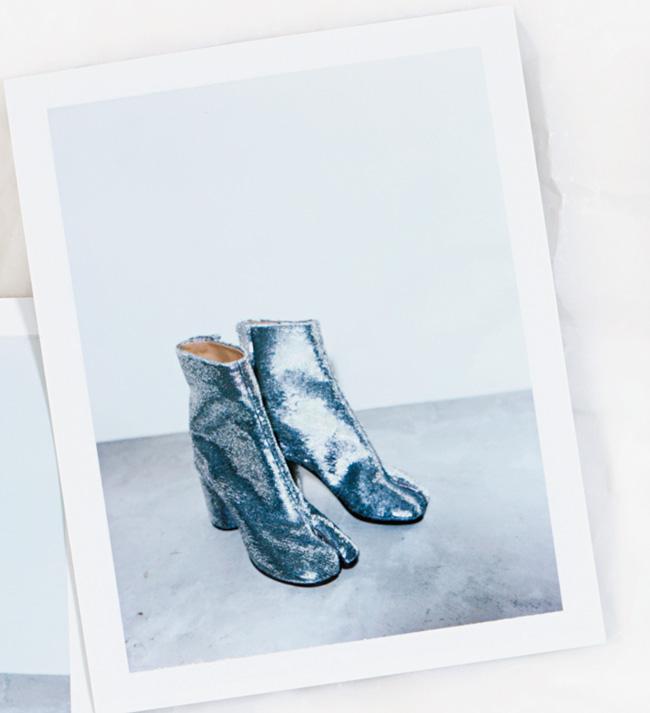 ブーツ ヒール8cm¥140,000/Maison Margiela(メゾン マルジェラ トウキョウ 03-5725-2414)