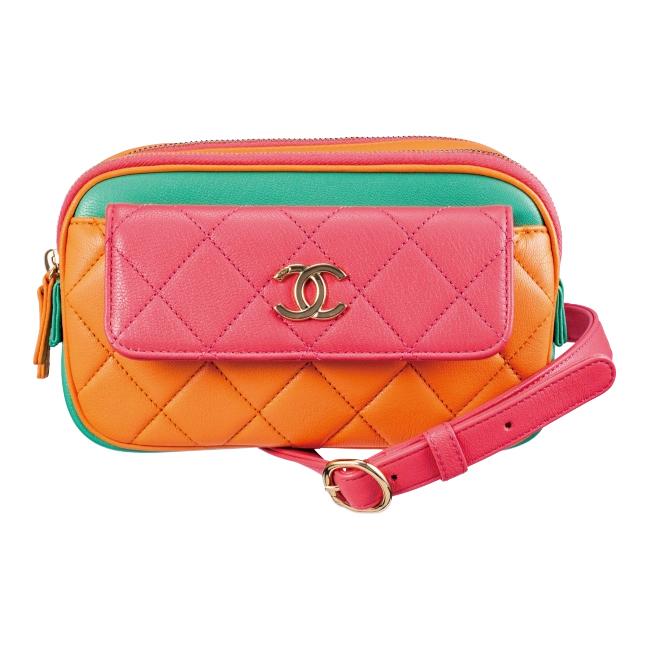ウエストバッグ(H11.5×W20.5×D6.5cm)¥348,000/Chanel(シャネル 0120-525-519)