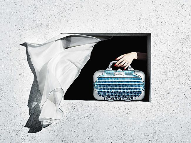 バッグ「ディオール アンド リモワ カプセルコレクション」※ストラップ付き(W36×H21×D16cm)¥379,000(予定価格)/Dior(クリスチャン ディオール 0120-02-1947)