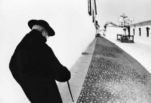 奈良原一高『バヤ・コン・ディオス コルドバ』 「スペイン 偉大なる午後」より(1963-64年)  ©Ikko Narahara 無断転載禁止