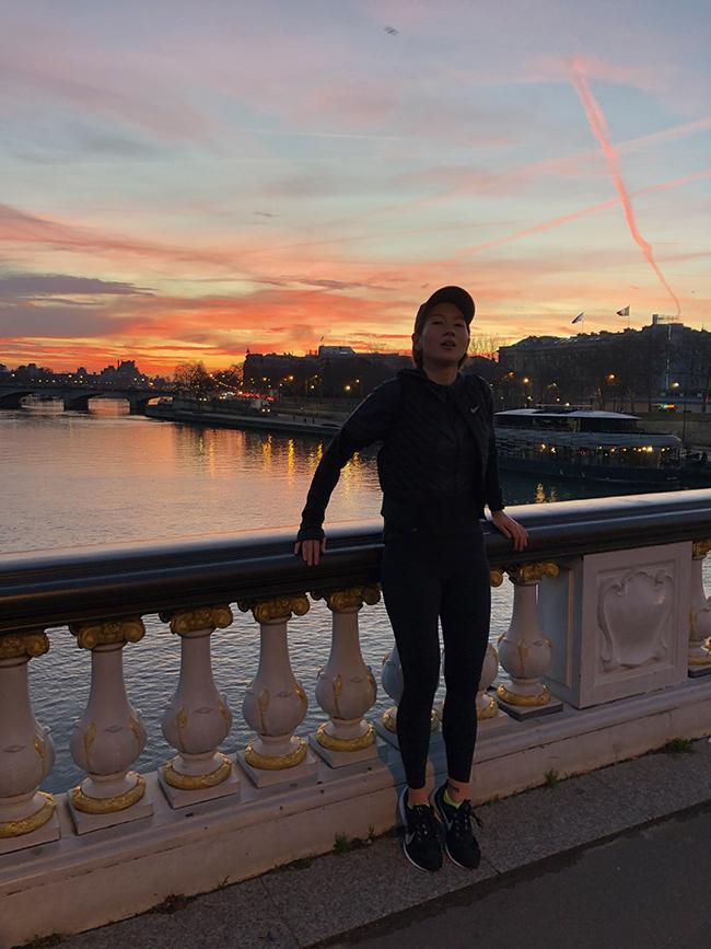 年始に行ったパリで朝焼けラン。旅先では必ずウェアを持参し走ることにしている。
