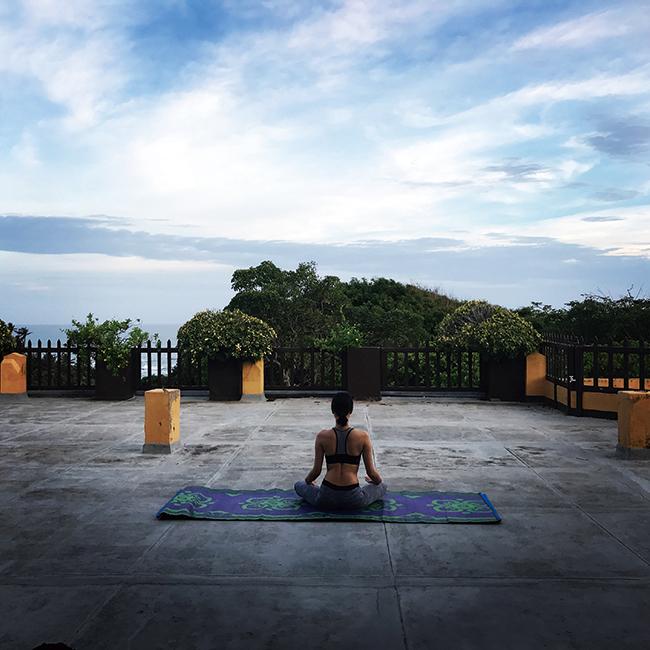 スリランカではアーユルヴェーダを一週間経験。自然のエネルギーを感じながら毎日冥想も行った。